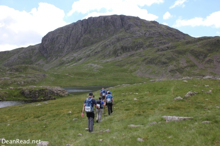 Heading towards Sprinkling Tarn with Great End in the background