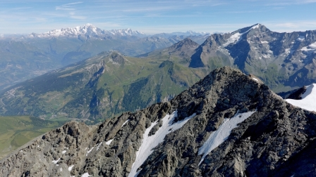 Flying the DJI Phantom 4 in the French Alps